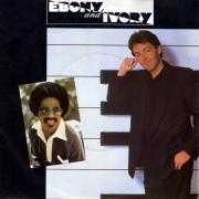 Coverafbeelding Paul McCartney - additional vocals by Stevie Wonder - Ebony And Ivory
