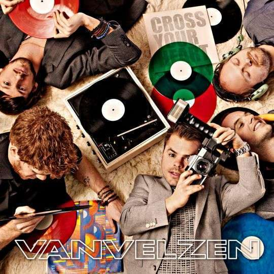 Coverafbeelding Cross Your Heart - Vanvelzen