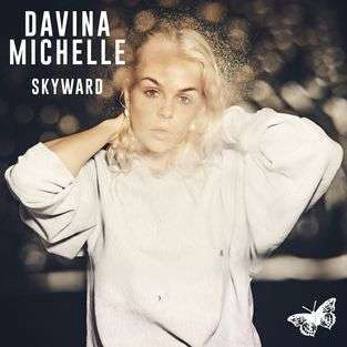 Coverafbeelding Skyward - Davina Michelle