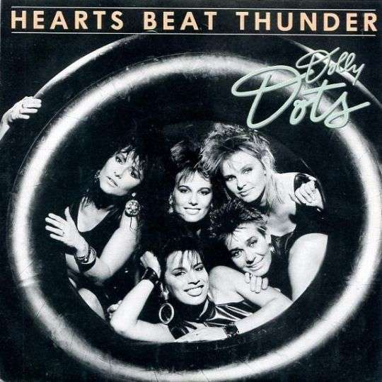 Coverafbeelding Hearts Beat Thunder - Dolly Dots